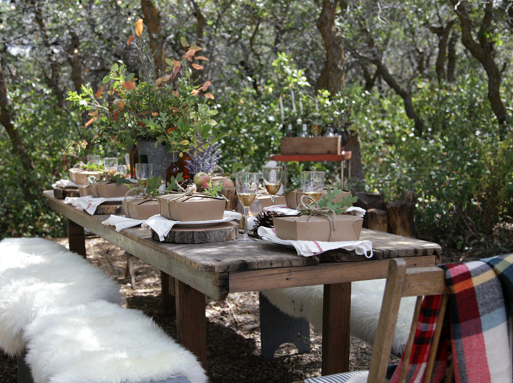 Admirable Fall Tablescape Into The Woods We Go Jeanne Oliver Home Interior And Landscaping Palasignezvosmurscom