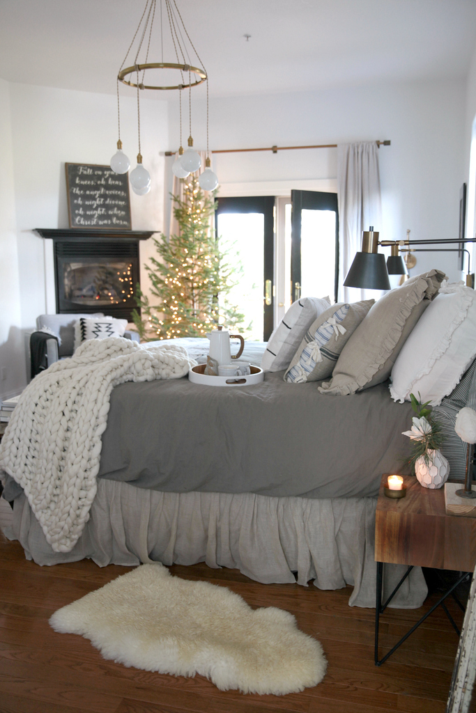 A Cozy Christmas Bedroom | Creating A Hygge Space