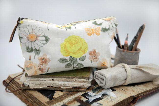 The Living Studio Portable Art Bag Eight
